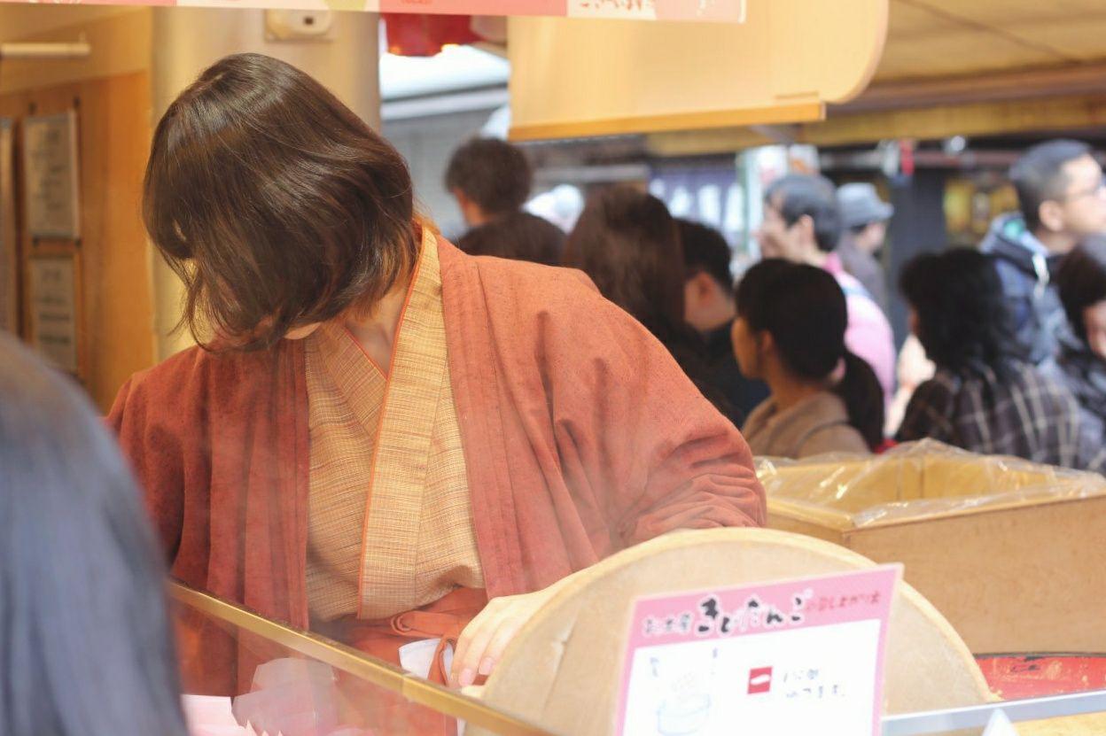 mercato prima del tempio Senso-ji